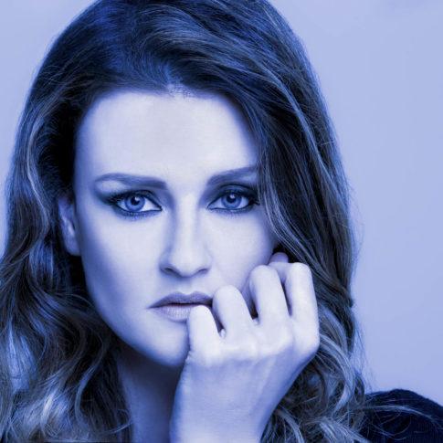 angelo trani ritratto portrait irene fornaciari cover album blu