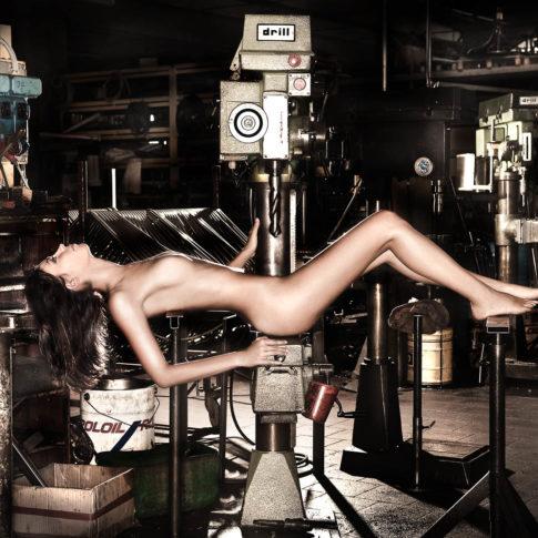 angelo trani ritratto portrait modella nuda trapano fabbrica